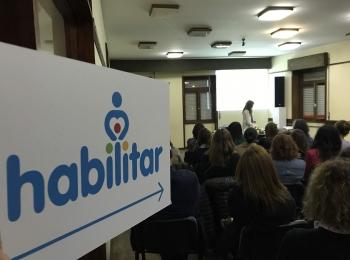 """Com a  sala  lotada,  decorreu no dia 26 de outubro uma Tertúlia sob o tema """"educação inclusiva"""""""